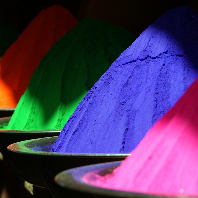 colour and crystal therapy liverpool. A picture of different coloured powders