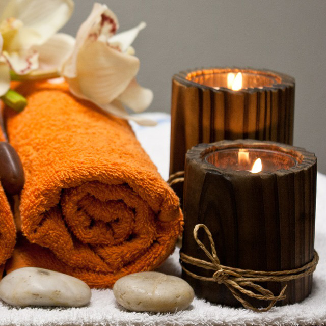 Indian Head Massage in Liverpool. A pic of towels and candels